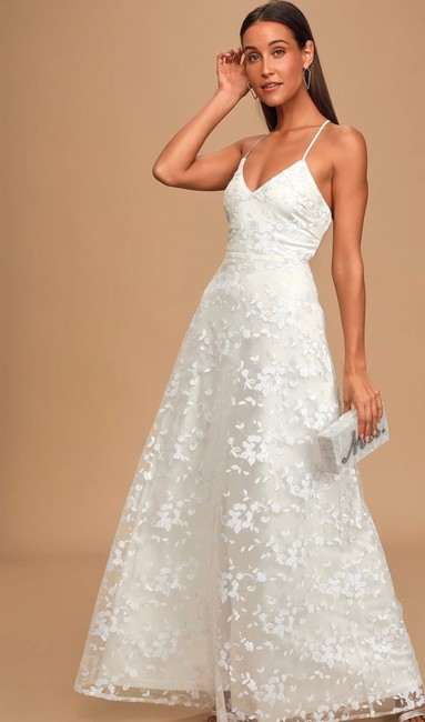 Item - White Sequin Backless Formal Wedding Dress Size 2 (XS)