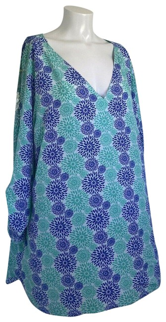 Item - Blue and Green Effortless Care Women's Roll Tab Tunic Size 22 (Plus 2x)