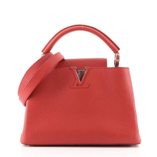 Item - Capucines Bb Red Leather Cross Body Bag
