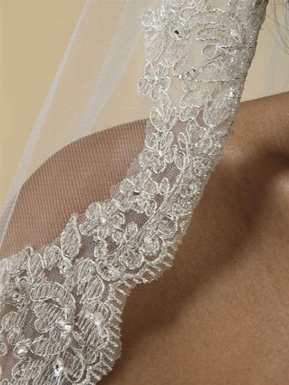 Mariell Ivory Fingertip Wedding Veil With Silver Embroidery