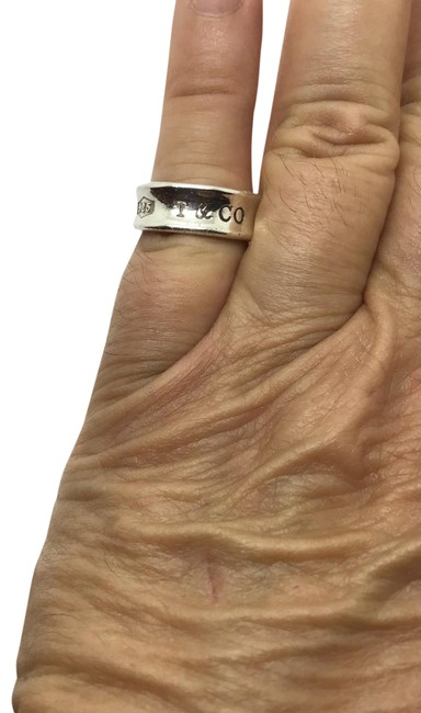 Item - Silver Sterling Concave Ring