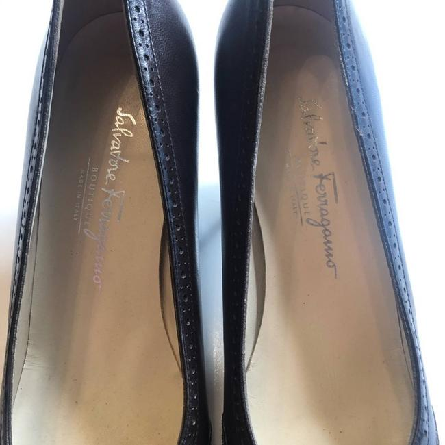 Salvatore Ferragamo Brown Black Vintage Inspired Patent Bow Pumps Size US 9 Narrow (Aa, N) Salvatore Ferragamo Brown Black Vintage Inspired Patent Bow Pumps Size US 9 Narrow (Aa, N) Image 3