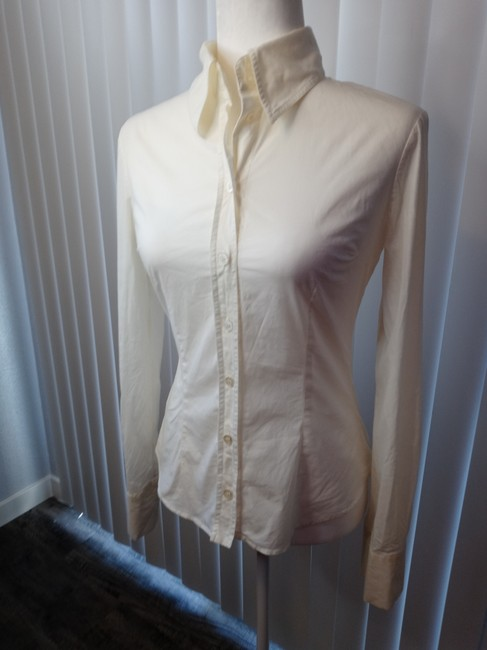 Item - Ivory Fitted Shirt Button-down Top Size 4 (S)