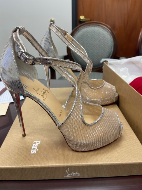 Silver / Nude 39 Pumps Size US 9 Regular (M, B) Silver / Nude 39 Pumps Size US 9 Regular (M, B) Image 5