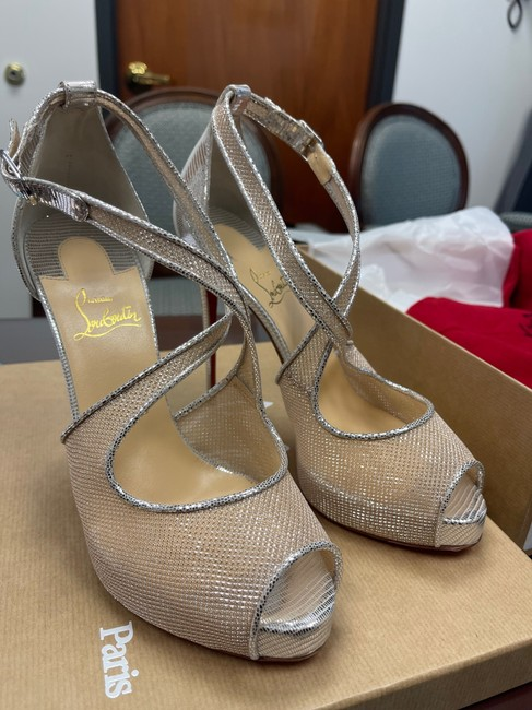 Silver / Nude 39 Pumps Size US 9 Regular (M, B) Silver / Nude 39 Pumps Size US 9 Regular (M, B) Image 6
