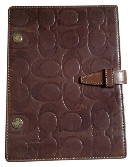 Preload https://item5.tradesy.com/images/coach-brown-photo-book-2929264-0-0.jpg?width=440&height=440