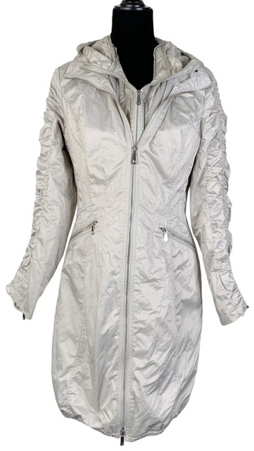 Item - Silver Packable Jacket Size 6 (S)