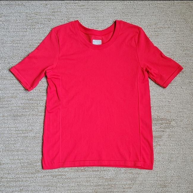 Item - Red Renew Activewear Top Size 8 (M)