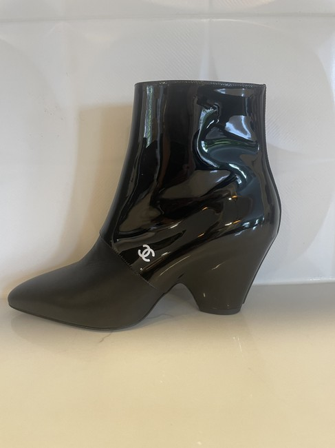 Item - Black 20c Patent Leather Split Wedge Heel Ankle Boots/Booties Size EU 37 (Approx. US 7) Regular (M, B)