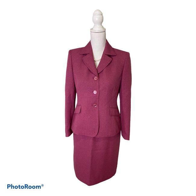 Item - Pink with A Hint Of Purple Skirt Suit Size Petite 4 (S)