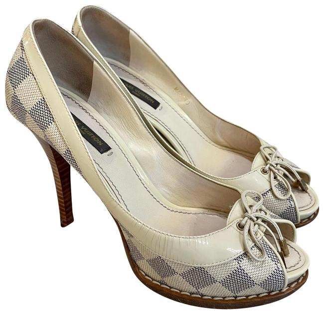 Item - Gray and Blue Heels Pumps Size US 7 Narrow (Aa, N)