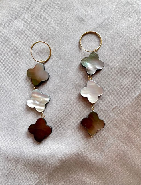 Item - 14k Solid Gold Mother Of Pearl Earrings