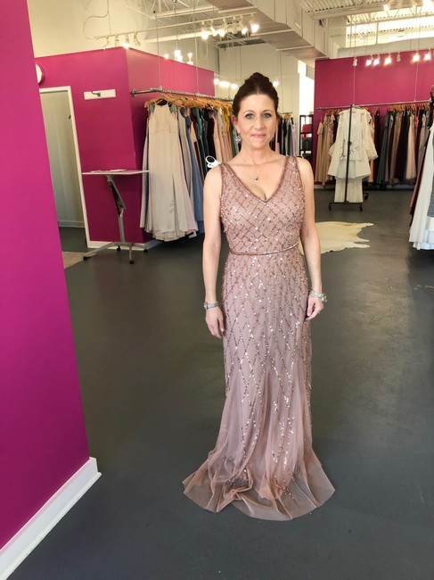 Item - Champagne Beaded 40135 Formal Bridesmaid/Mob Dress Size 4 (S)
