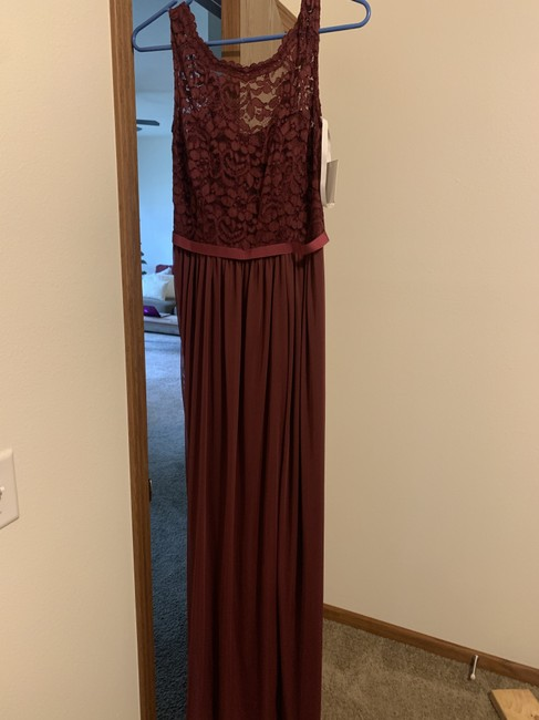Item - Wine Lace 31019010 Formal Bridesmaid/Mob Dress Size 6 (S)