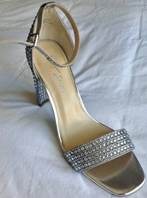 Item - Silver Crystals Rina Heels By Formal Shoes Size US 9.5 Regular (M, B)