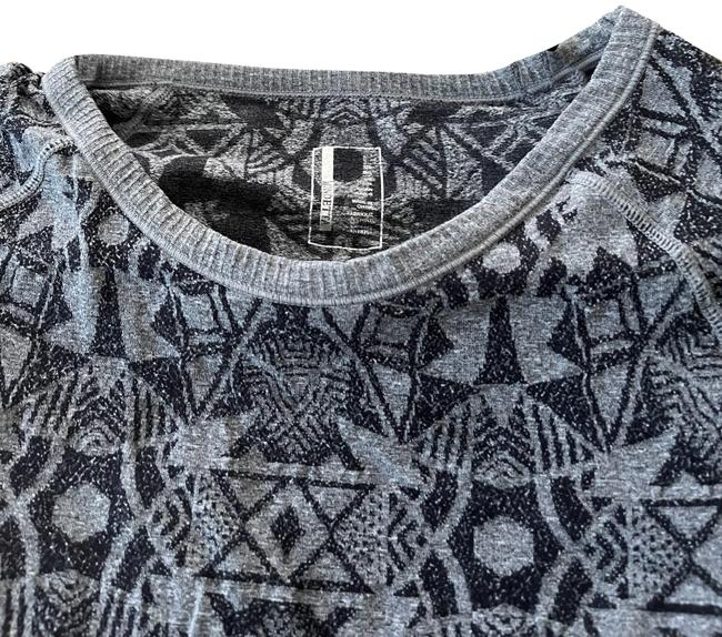 Item - Patterned Long Sleeved Shirt Black and Gray Top