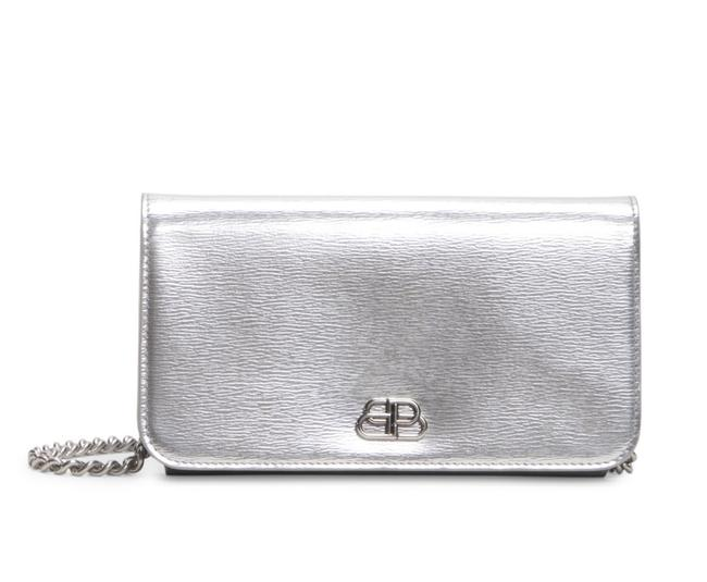 Item - Wallet on Chain Metallic Phone Holder Silver Leather Cross Body Bag