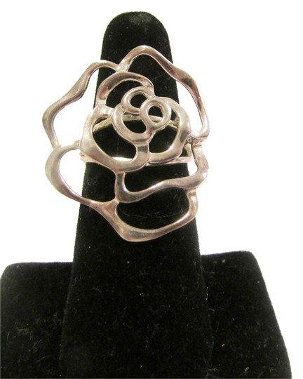 Preload https://item1.tradesy.com/images/925-sterling-silver-robert-lee-morris-flower-size-75-ring-2930110-0-0.jpg?width=440&height=440
