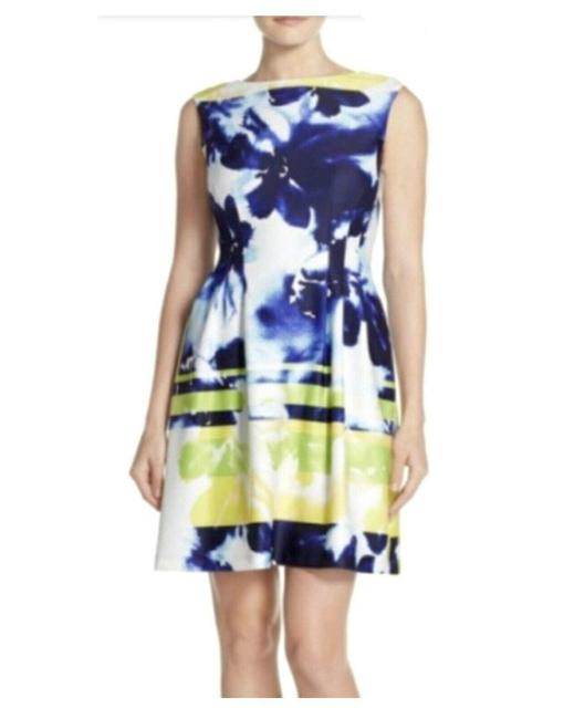 Item - Multicolor Scuba Sleeveless Abstract Floral Knit Mid-length Work/Office Dress Size 6 (S)