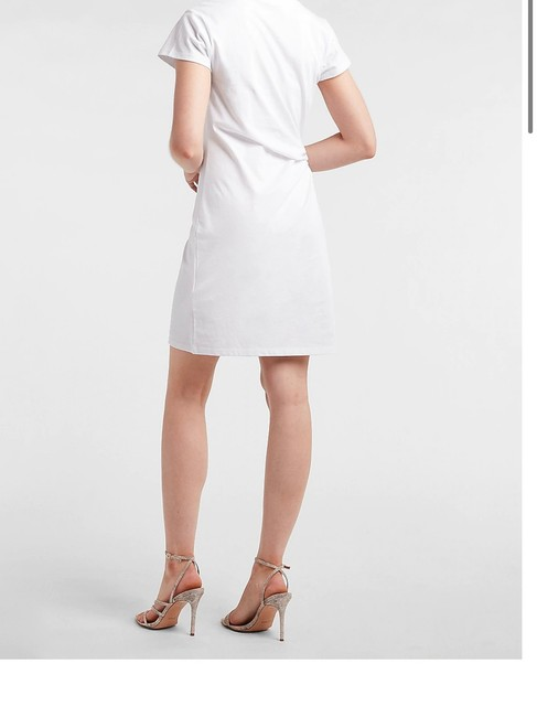 Express White Brooch T-shirt Short Casual Dress Size 12 (L) Express White Brooch T-shirt Short Casual Dress Size 12 (L) Image 3
