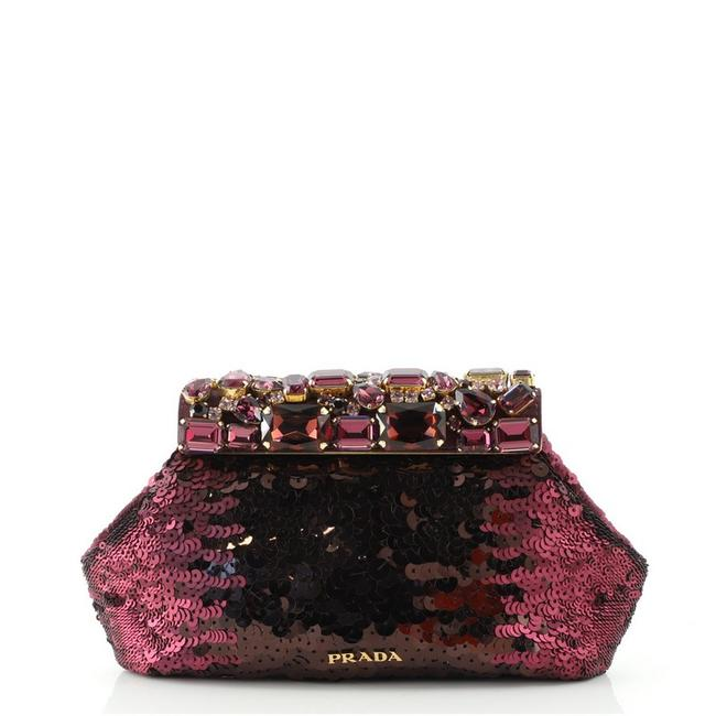 Item - Frame With Purple Crystal Sequins Clutch