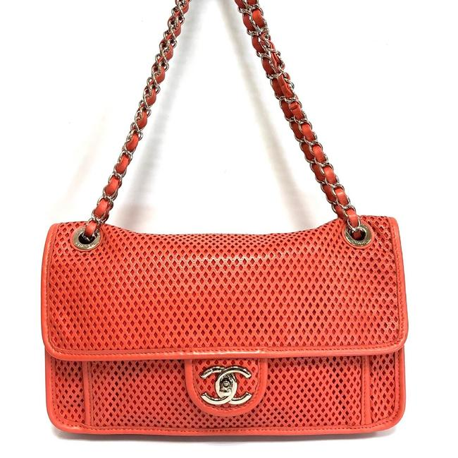 Item - Classic Flap Up In The Air Salmon Leather Shoulder Bag