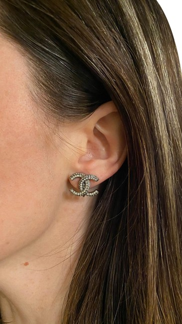 Item - Silver Cc Crystal Gunmetal Strass Large Clip-on Earrings
