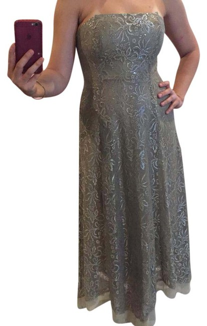 BCBGMAXAZRIA Taupe/Silver Lace Gown Formal Dress Size 6 (S) BCBGMAXAZRIA Taupe/Silver Lace Gown Formal Dress Size 6 (S) Image 1