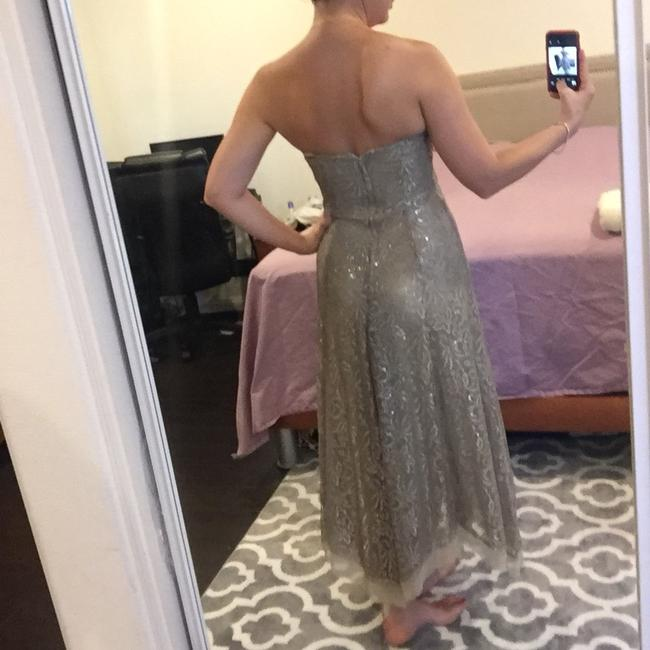 BCBGMAXAZRIA Taupe/Silver Lace Gown Formal Dress Size 6 (S) BCBGMAXAZRIA Taupe/Silver Lace Gown Formal Dress Size 6 (S) Image 2