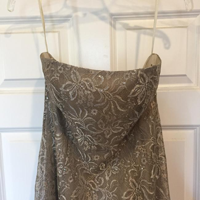 BCBGMAXAZRIA Taupe/Silver Lace Gown Formal Dress Size 6 (S) BCBGMAXAZRIA Taupe/Silver Lace Gown Formal Dress Size 6 (S) Image 5