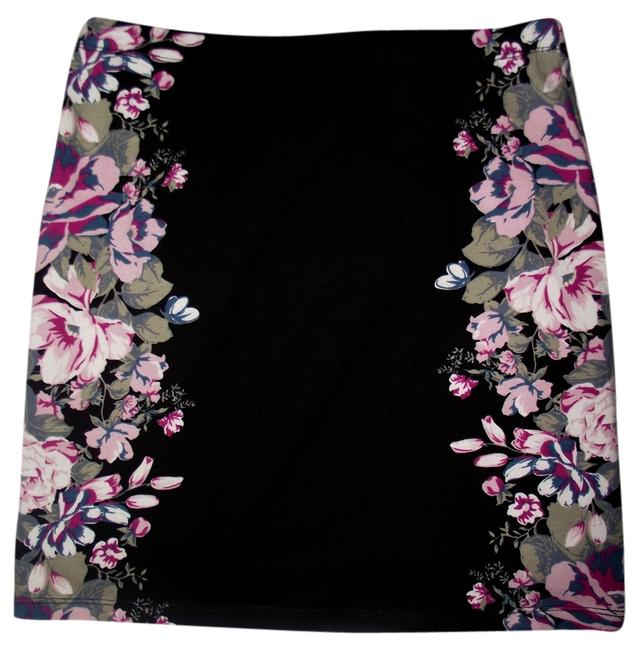 Item - Black Floral New with Tags Pink Small Mini Micro Hipster Stretchy Nasty Gal Lace Up Millet Unique Skirt Size 4 (S, 27)