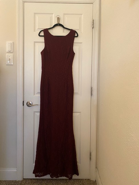 Item - Burgundy Lace Mermaid Style with Draped Back Sexy Bridesmaid/Mob Dress Size 10 (M)