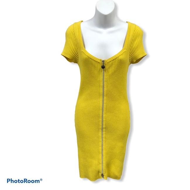 Item - Yellow Ribbed Knit Short Casual Dress Size 8 (M)