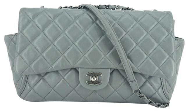 Item - Quilted Around Pockets Flap #35592 Gray Leather Shoulder Bag