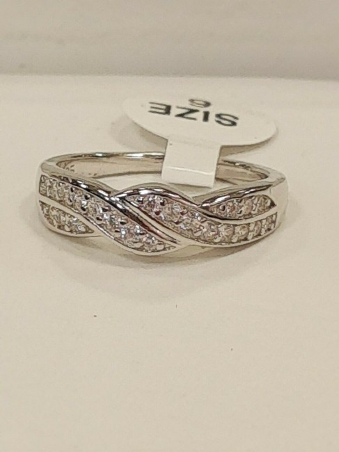 Item - Sterling Silver Rhodium-plated Cubic Zirconia Size 6 Ring