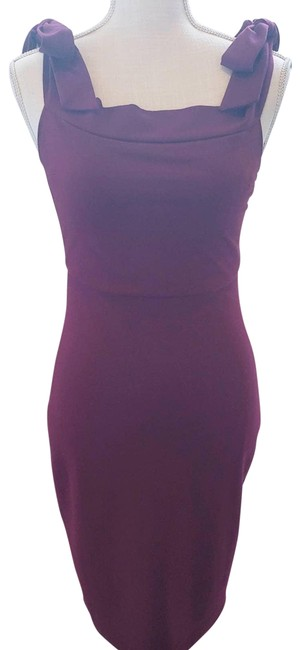 Item - Red Burgandy Fitted Sleeveless Med Cocktail Dress Size 8 (M)