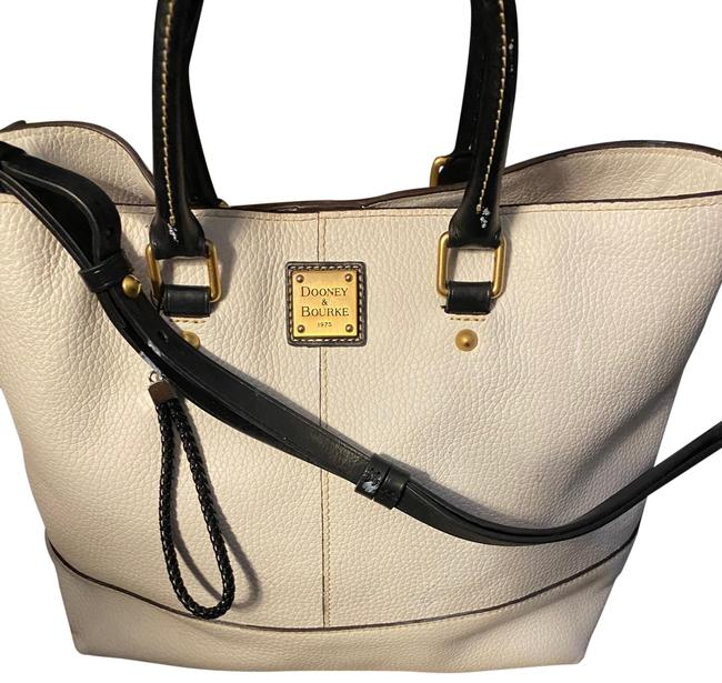 Item - Chelsea White and Black Pebble Grain Leather Tote