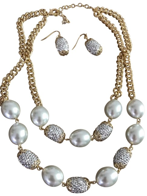 Item - Gold Layered Pearled / Crystalnecklace /Earrings Set Necklace