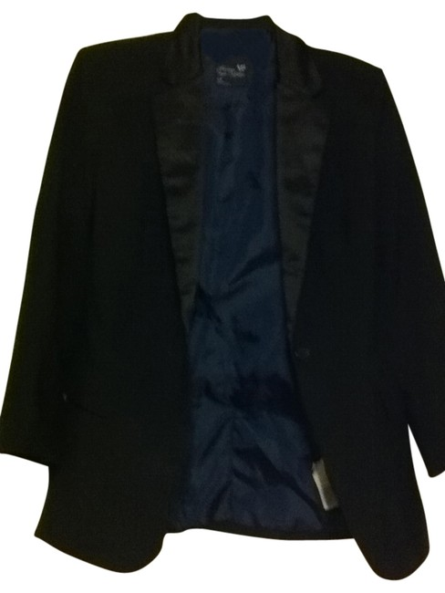 Preload https://item4.tradesy.com/images/american-eagle-outfitters-black-blazer-size-4-s-29323-0-0.jpg?width=400&height=650