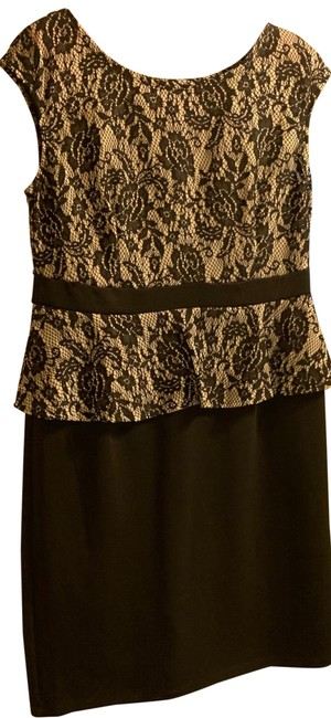 Item - Black Top Fitted with Ruffle Mid-length Cocktail Dress Size 8 (M)
