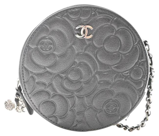 Item - Coco Mark Camellia Chain Shoulder Pouch Gray Leather Clutch