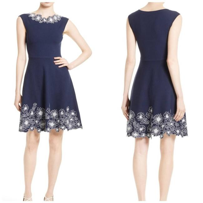 Item - Blue Embroidered Floral Knit Fit And Work/Office Dress Size 12 (L)