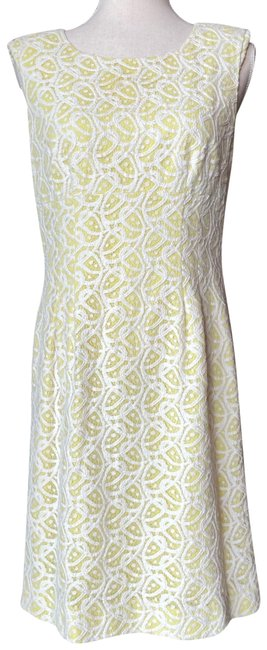Item - Yellow Lace Mid-length Short Casual Dress Size 6 (S)