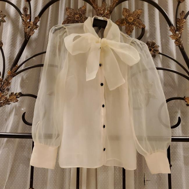 Item - Rn77302 Off White Top