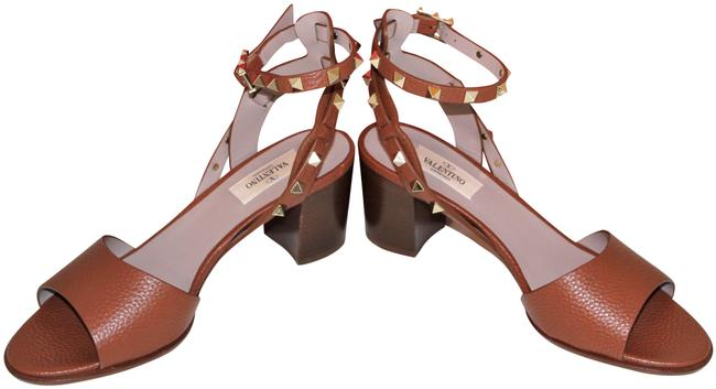 Item - Brown From The Rockstud Collection. Open Toe Luxe Leather with Comfo Sandals Size EU 38.5 (Approx. US 8.5) Regular (M, B)