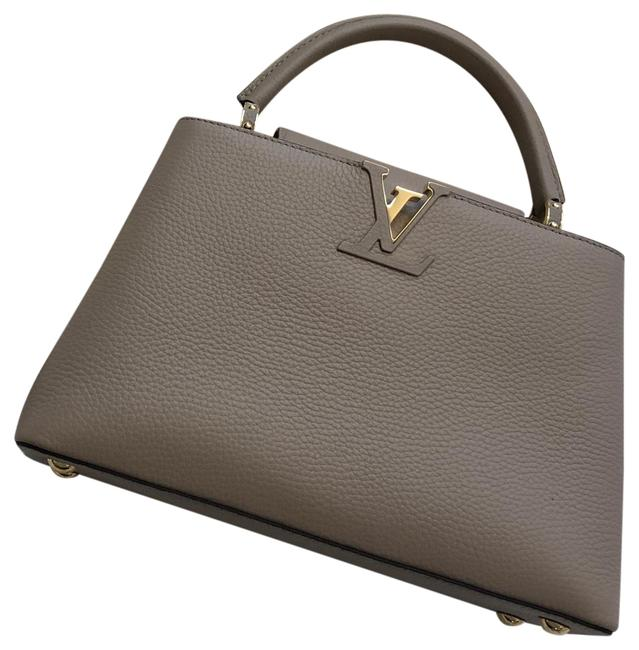 Item - Capucines Bb Pebble Cowhide Leather and Calf Leather Satchel