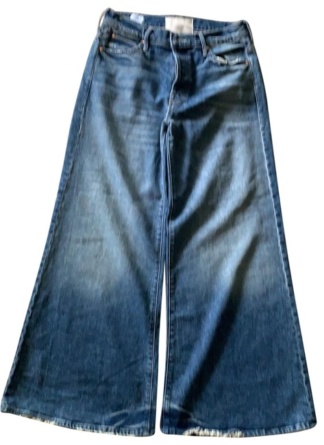 Item - Distressed Flare Leg Jeans Size 6 (S, 28)