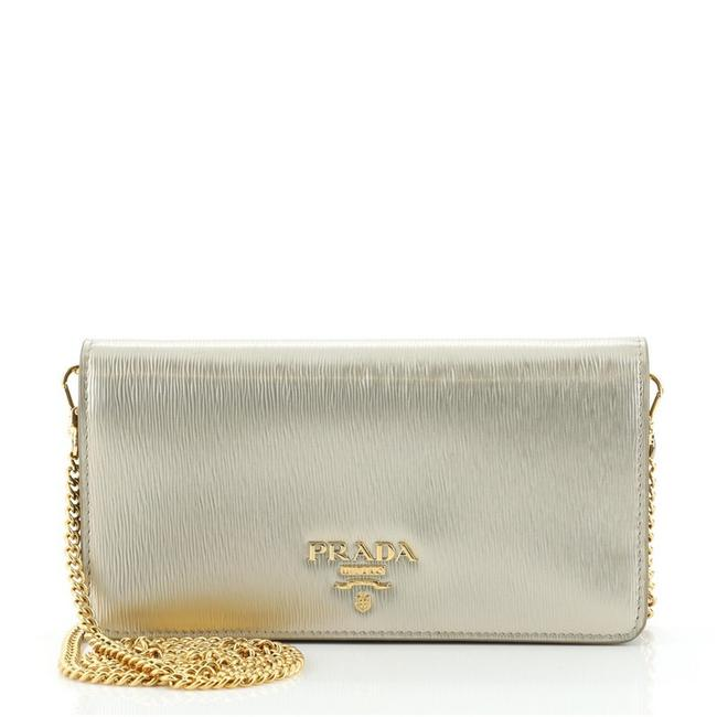 Item - Wallet on Chain Vitello Move Long Gold Leather Cross Body Bag