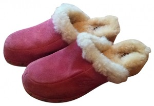 UGG Australia 7 Boots Sherling Sheepskin Fleece Fleecy Soft Suede Leather Real Leather Lined Trendy Back To School Slides Flats Uggs pink Mules