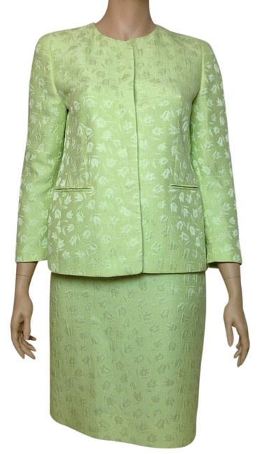 Preload https://item1.tradesy.com/images/louis-feraud-pistachio-skirt-suit-size-14-l-2934760-0-0.jpg?width=400&height=650